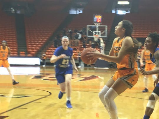 Alexa Hoy pulls up for a shot in Saturday's loss to Middle Tennessee at the Don Haskins Center.
