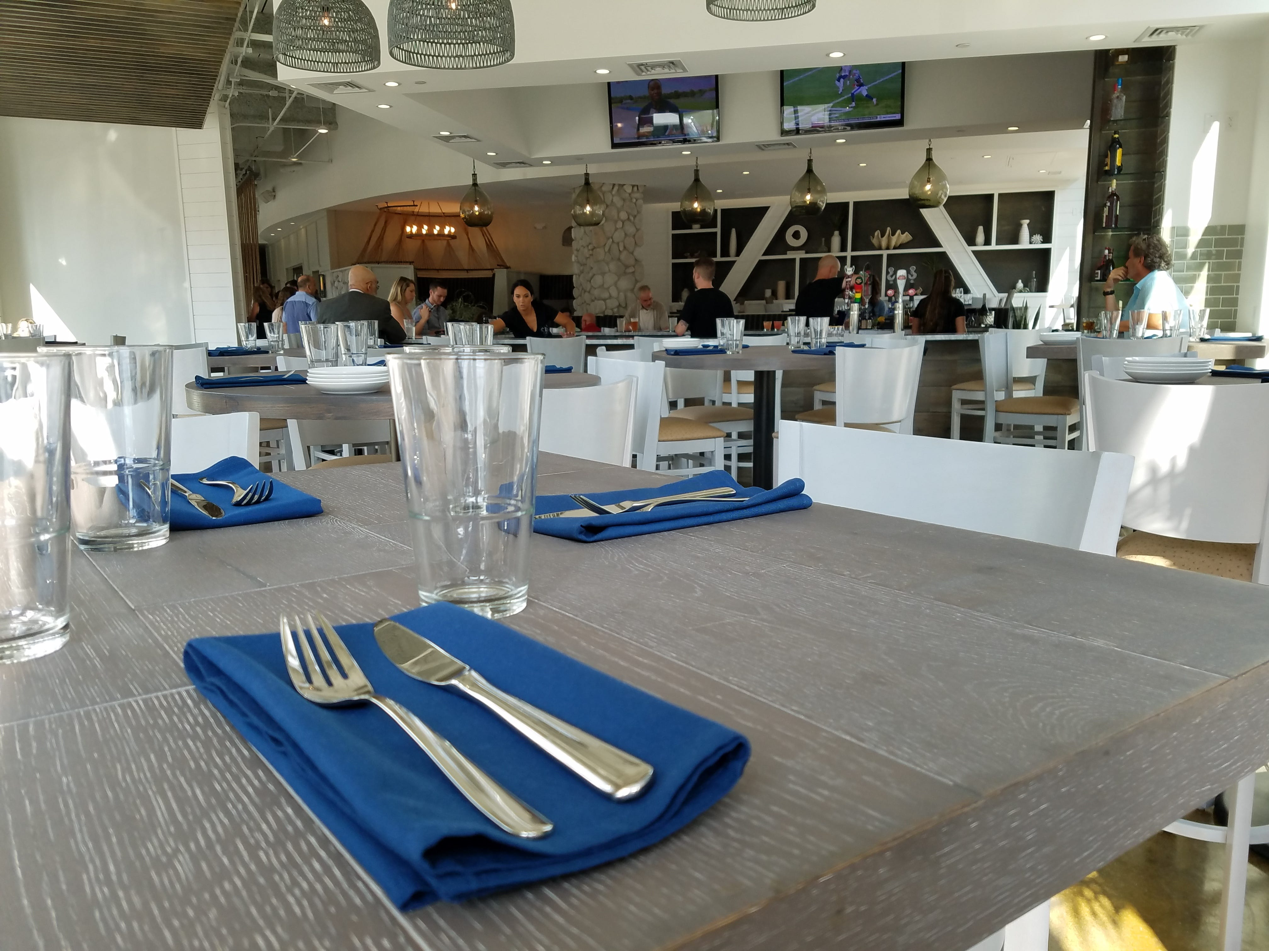 Salt On Mass Cruises In With Dungeness Crab Cakes, Grilled Pacific Wahoo  And A Luxury Liner Atmosphere