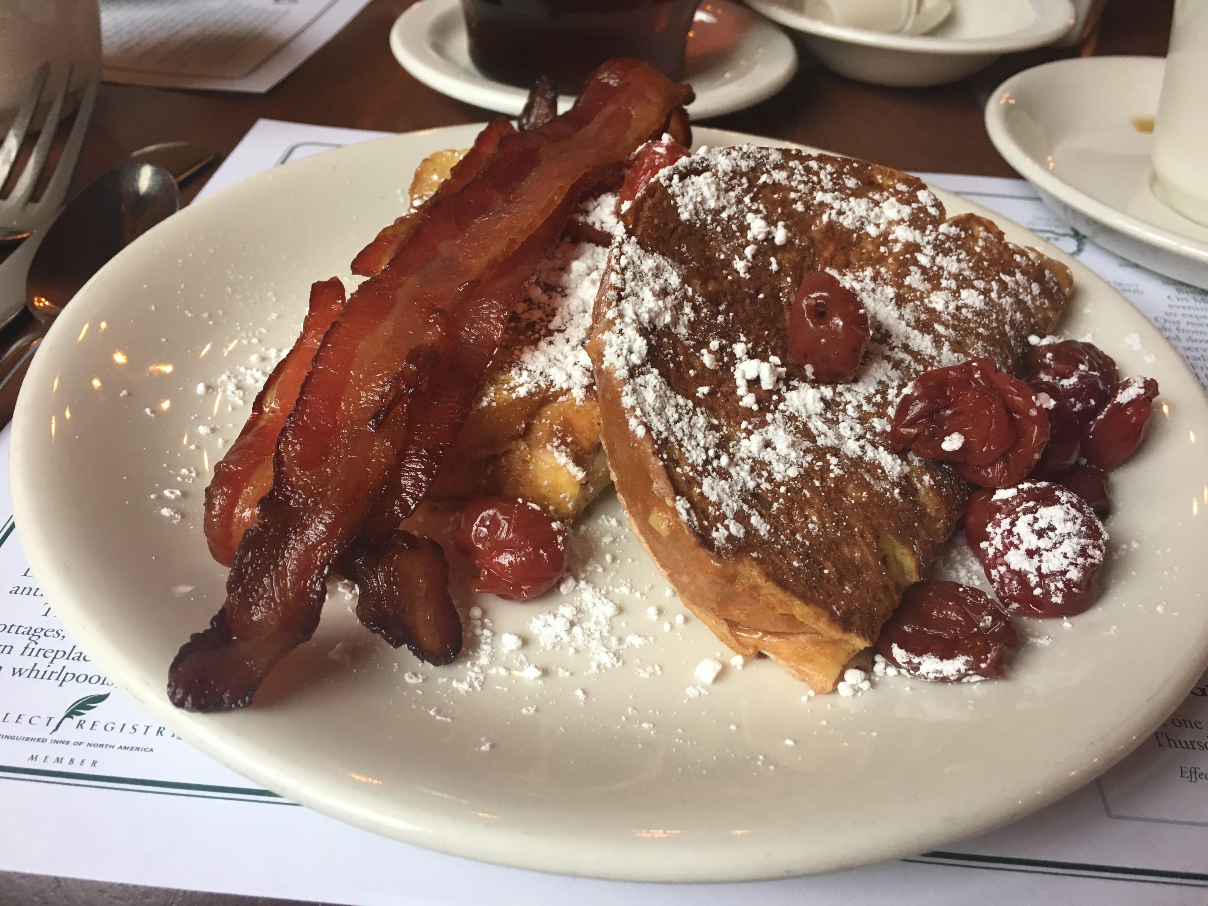 & Door County restaurants: Favorites include supper club BBQ cherries