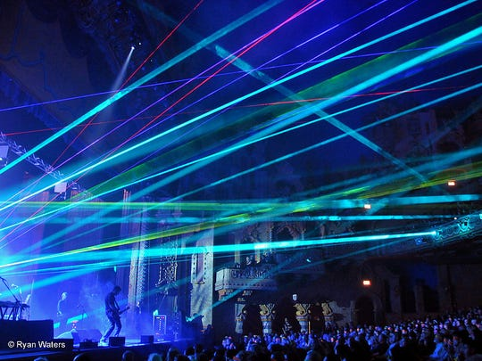 Pink Floyd Laser Spectacular features the music of Pink Floyd with an extensive light show.