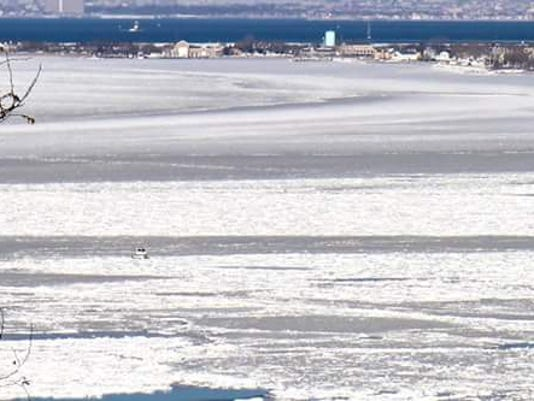 Man, 3 dogs left homeless after houseboat stuck in frozen Sandy