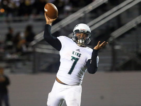 GABE HERNANDEZ/CALLER-TIMESKing's Elijah Flowers throws the ball against Edcouch-Elsa during the 5A area round game Friday, Nov. 18, 2016, at Shirley Field in Laredo.