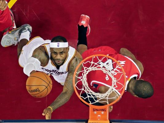 Hawks Cavaliers Basketball (2)