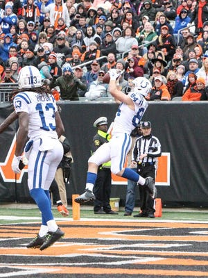The Indianapolis Colts have a 10-3 lead after Jack Doyle's nifty touchdown grab.