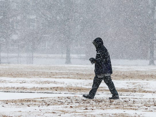 Sleet and snow hit the Memphis Friday morning.