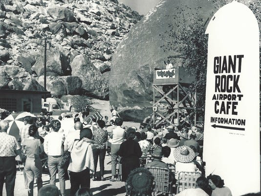 Giant Rock speaker & people_1965_7.jpg