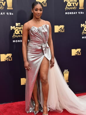 Mtv Movie Tv Awards The Most Outrageous Looks On The Red Carpet