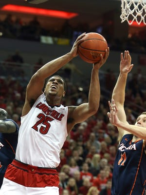 Louisville's Wayne Blackshear goes up for two against Virginia this past season.