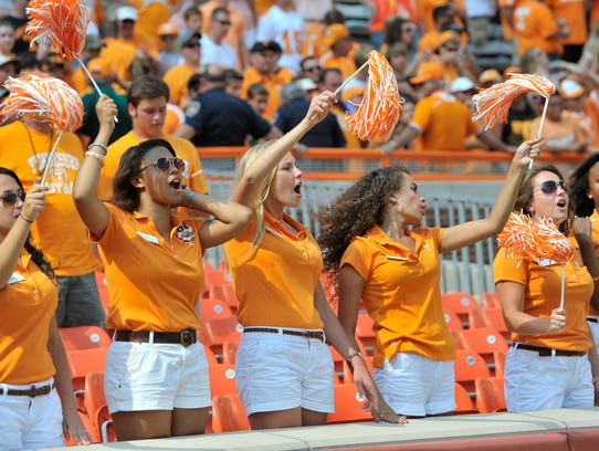 2013-09-13-Tennessee-fans