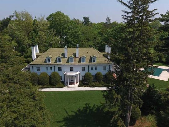 1914 Scarsdale estate will be up for auction.