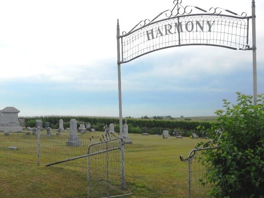 636548083288016773-Harmony-Cemetery.jpg