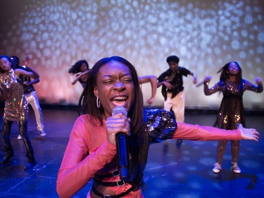 6Mosaic brings its 'Dance to the Music' concert for