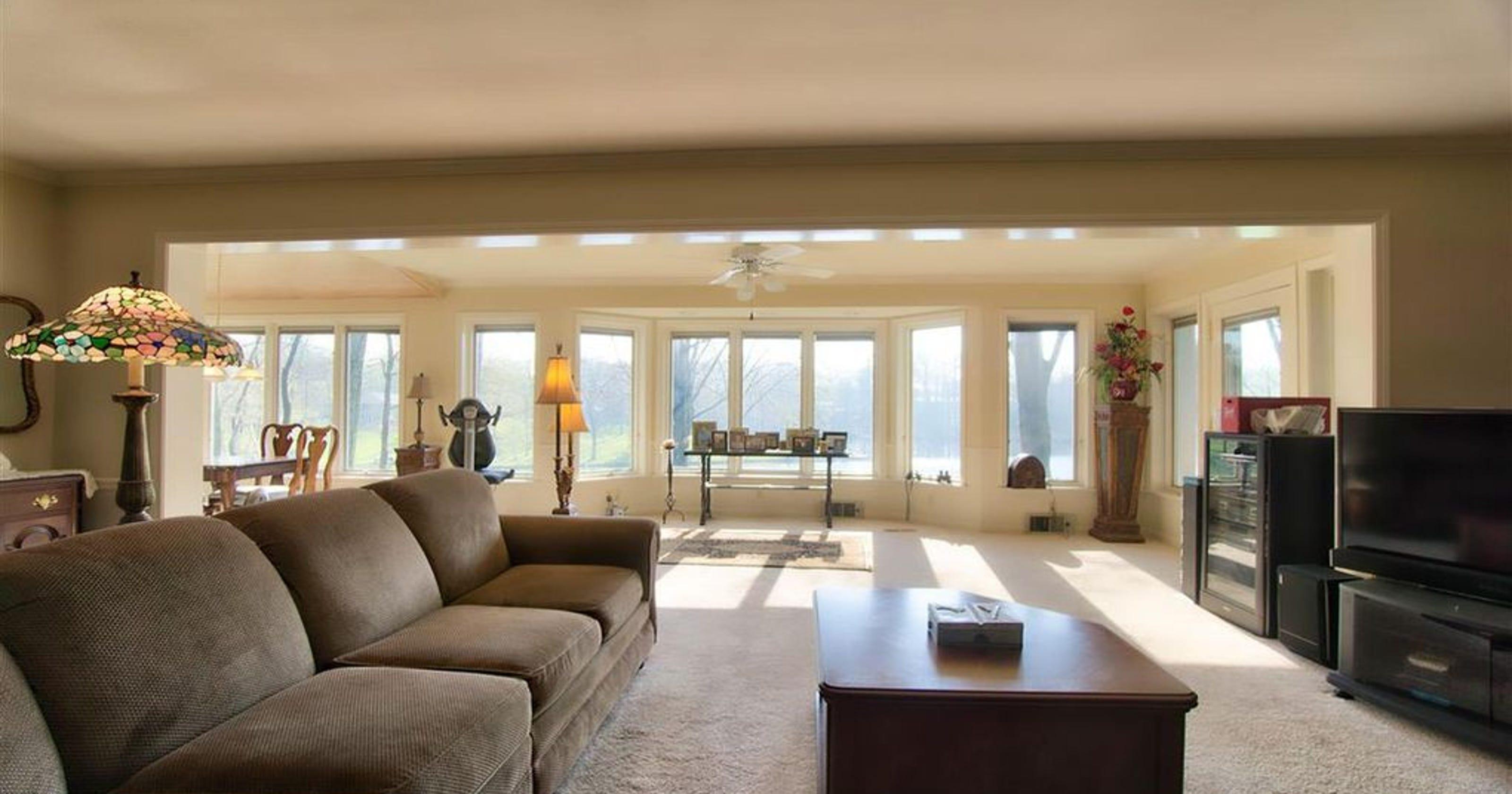 Unreal Estate Evansville Lakefront Property An Affordable