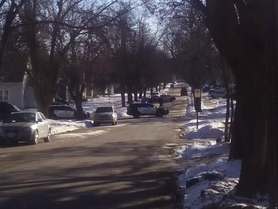 Sioux Falls Police investigate weapons violation.