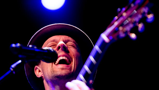 Jason Mraz performs at the Tennessee Theatre in Knoxville, Tennessee on Friday, March 9, 2018.