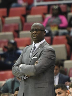Detroit Mercy coach Bacari Alexander has two new players, 6-7 forward Tariq Jones (Macomb Dakota/Schoolcraft College) and 6-3 guard Bass Ollie (Kalamazoo Central) in the fold.