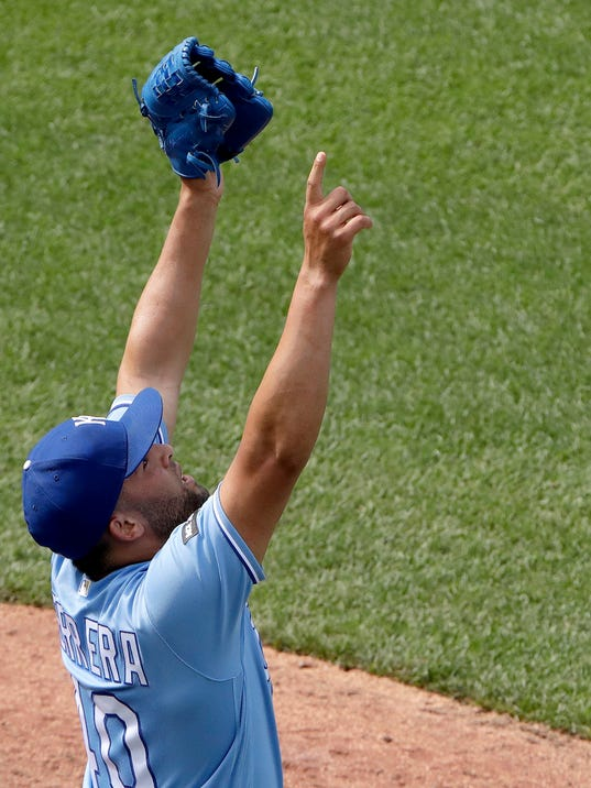 After lousy start, Royals slowly climb into contention