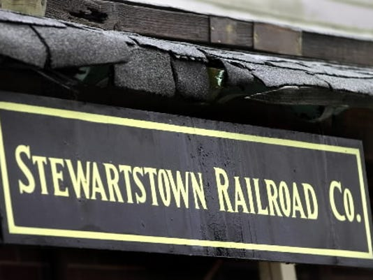 The Stewartstown Railroad Company is leasing one of its locomotives to Steam Into History Inc. (YORK DAILY RECORD/SUNDAY NEWS -- PAUL KUEHNEL)