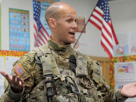 Soldier-visits-students-1.jpg