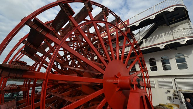 The American Empress' paddle wheel provides thrust for the vessel in addition to underwater Z drives that can rotate 360 degrees during maneuvering.