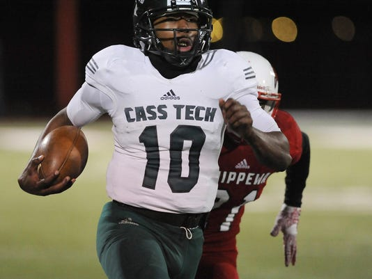 Prep Football, Detroit Cass Tech at Clinton Township Chippewa Valley Div 1, Reg final