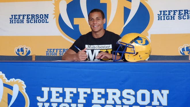 Jefferson's Justin Major signs with Manchester University in June.