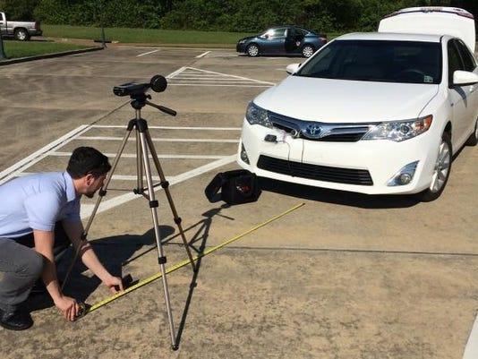 635689489898447491-Louisiana-Tech-researchers-conduct-noise-output-measurements-on-electric-car