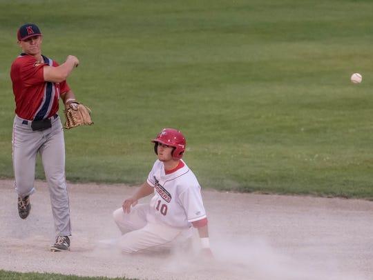 Battle Creek Bombers third baseman Ryan Dorow attempts