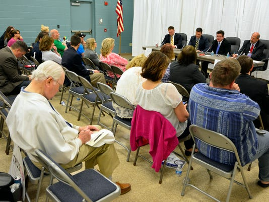 PHOTOS: Economic Alliance debate