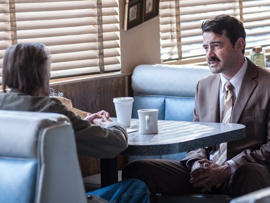Bobby (Ron Livingston) urges the title character in