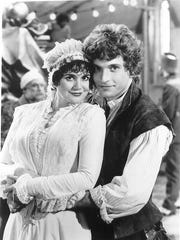 Linda Ronstadt and Rex Smith from the 1983 musical