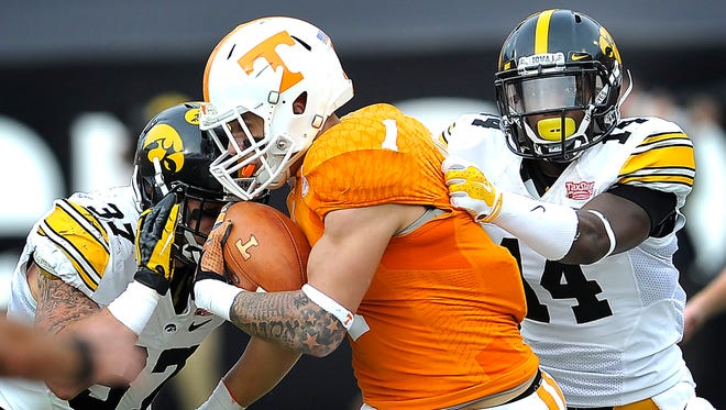 Tennessee's Jalen Hurd, shown here running against Iowa in the TaxSlayer Bowl, should benefit from the arrival of Alvin Kamara to provide a strong 1-2 punch at running back.