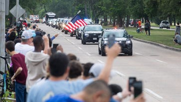Barbara Bush: Texans line the streets of Houston park to say goodbye to former first lady