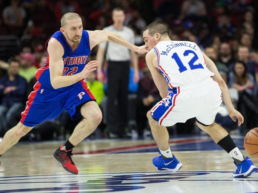 Pistons guard Steve Blake (22) steals the ball from