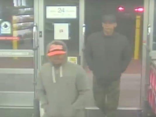 636473927802283378-Walgreens-robbery-surveillance-screenshot.JPG