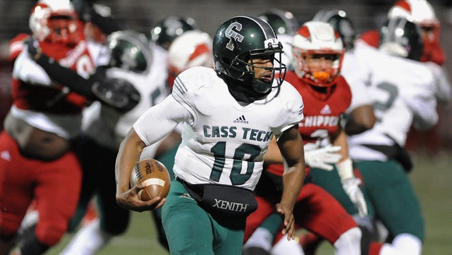Detroit Cass Tech quarterback Aaron Jackson said he plans to enroll early at Eastern Michigan.