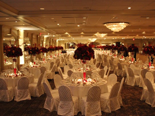The landmark Pines Manor in Edison can accommodate