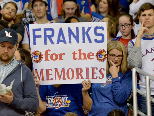 Kansas fans pay tribute to Frank Mason III on Senior