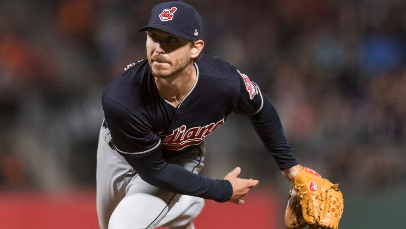 Giants' NL-record sellout streak ends in 5-3 loss to Indians