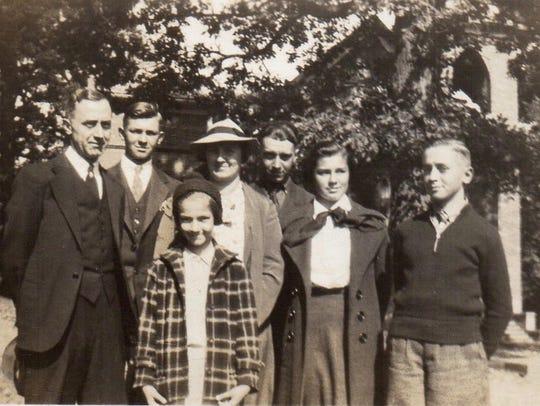 Left to right: J. Leonard, Gene, Lois, Nell, Fred,