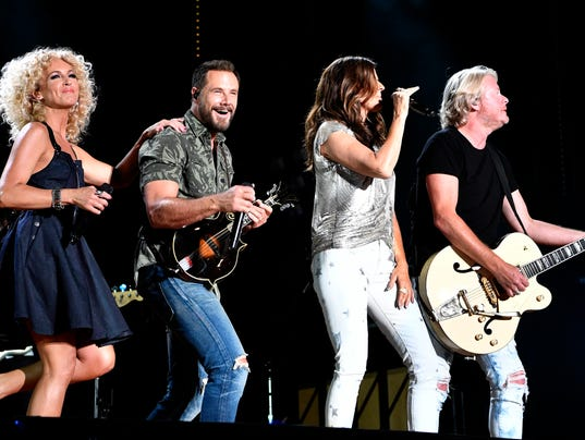636328233508141338-014-CMA-Little-Big-Town.JPG