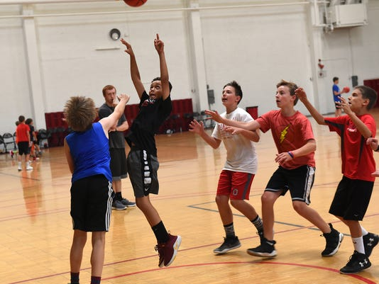 03_new_sct061818_ bball_camp_den