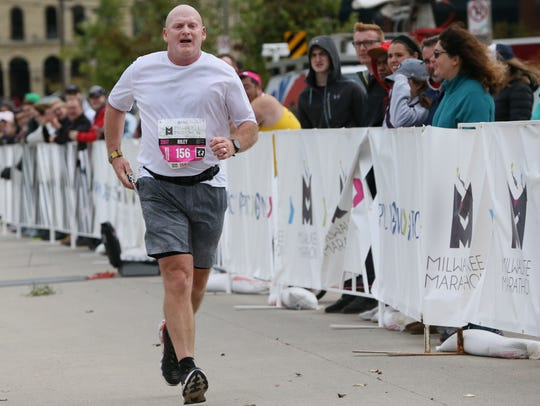 Riley Enright approaches the finish at the PNC Milwaukee