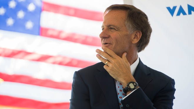 Gov. Bill Haslam has granted pardons to a number people convicted of crimes as he nears the end of his time in office.