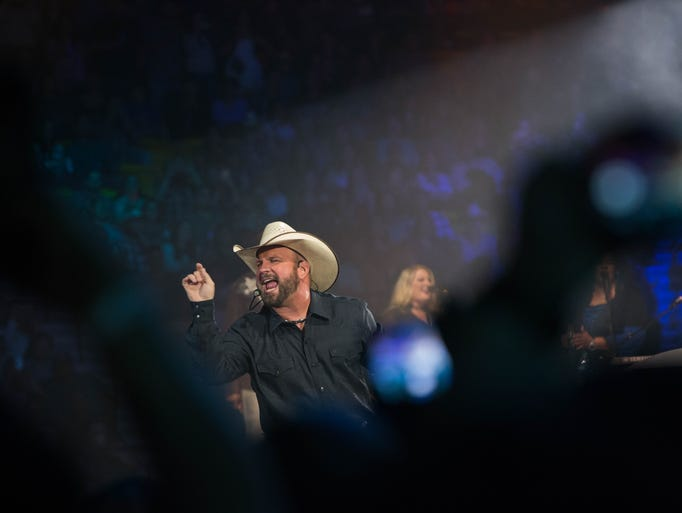 Garth Brooks is welcomed into the Pan American Center
