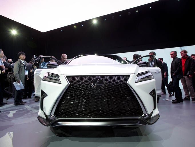 new lexus rx gets the darth vader grille. Black Bedroom Furniture Sets. Home Design Ideas