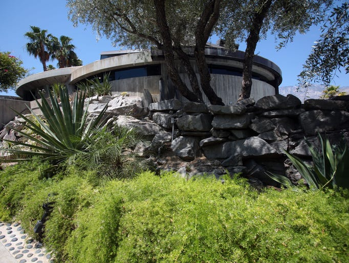 A look inside the elrod house for Buy house palm springs