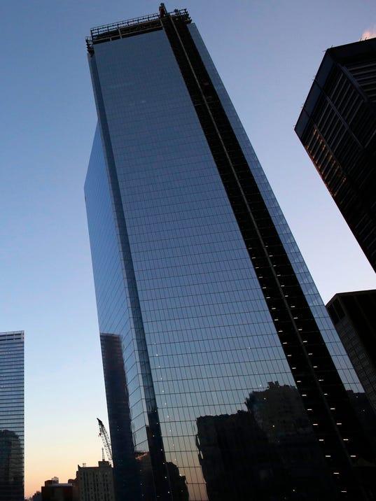 Crane breaks window at 3 World Trade Center