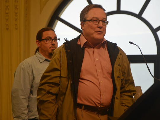 Battle Creek resident Mark Lambert addresses the Planning