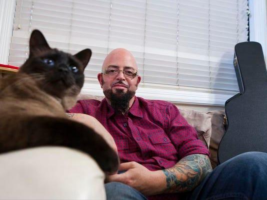 Pets-Taming Cats